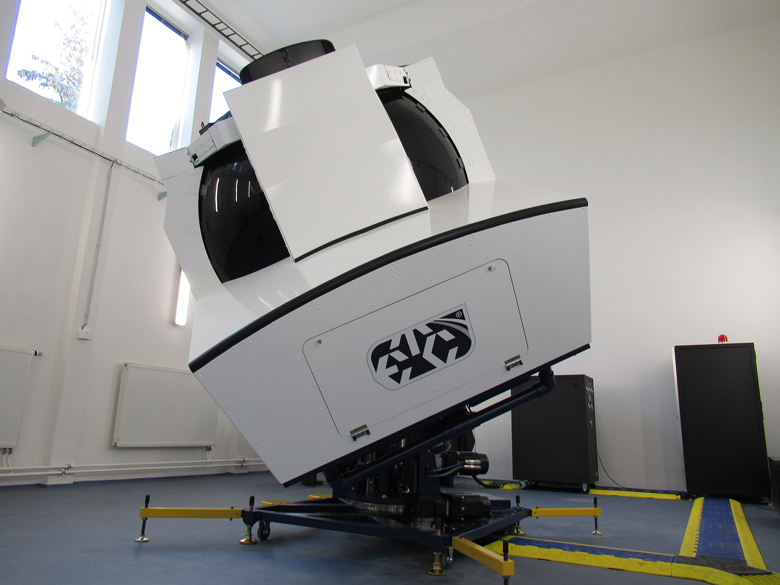 The GH-200 is a highly-versatile Spatial Disorientation Trainer for Fixed Wing and Rotary Wing